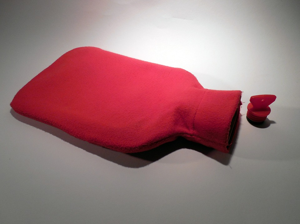 hot water bottle 1800752 960 720